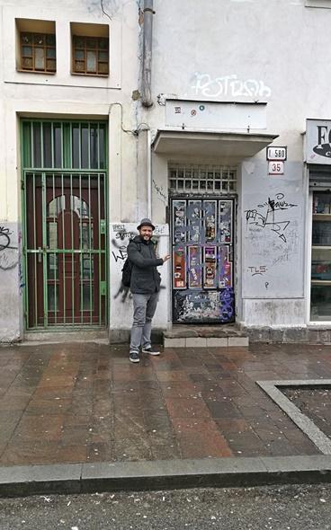 Colossueum Club - Kassa - Kocsmaturista - az utcai bejárat
