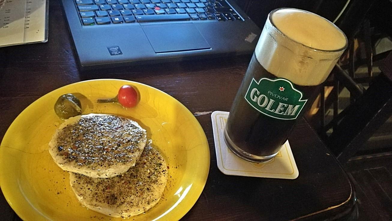 Kocsmaturista - Pivovar Golem, Kassa - Hermelin barna sörrel