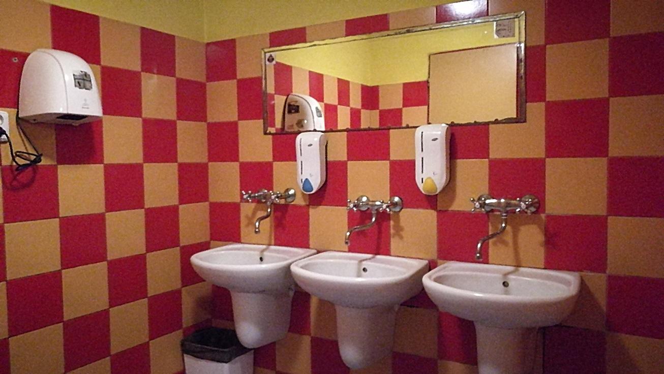Pivovar Golem, Kassa - Kocsmaturista - WC