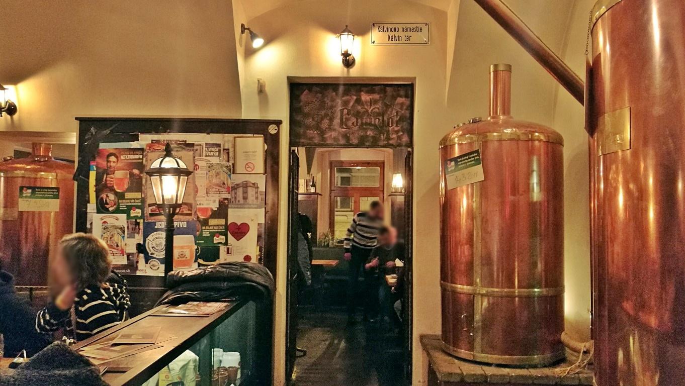 Camelot Pilsner Pub és Középkori Étterem, Kassa - Kocsmaturista 01