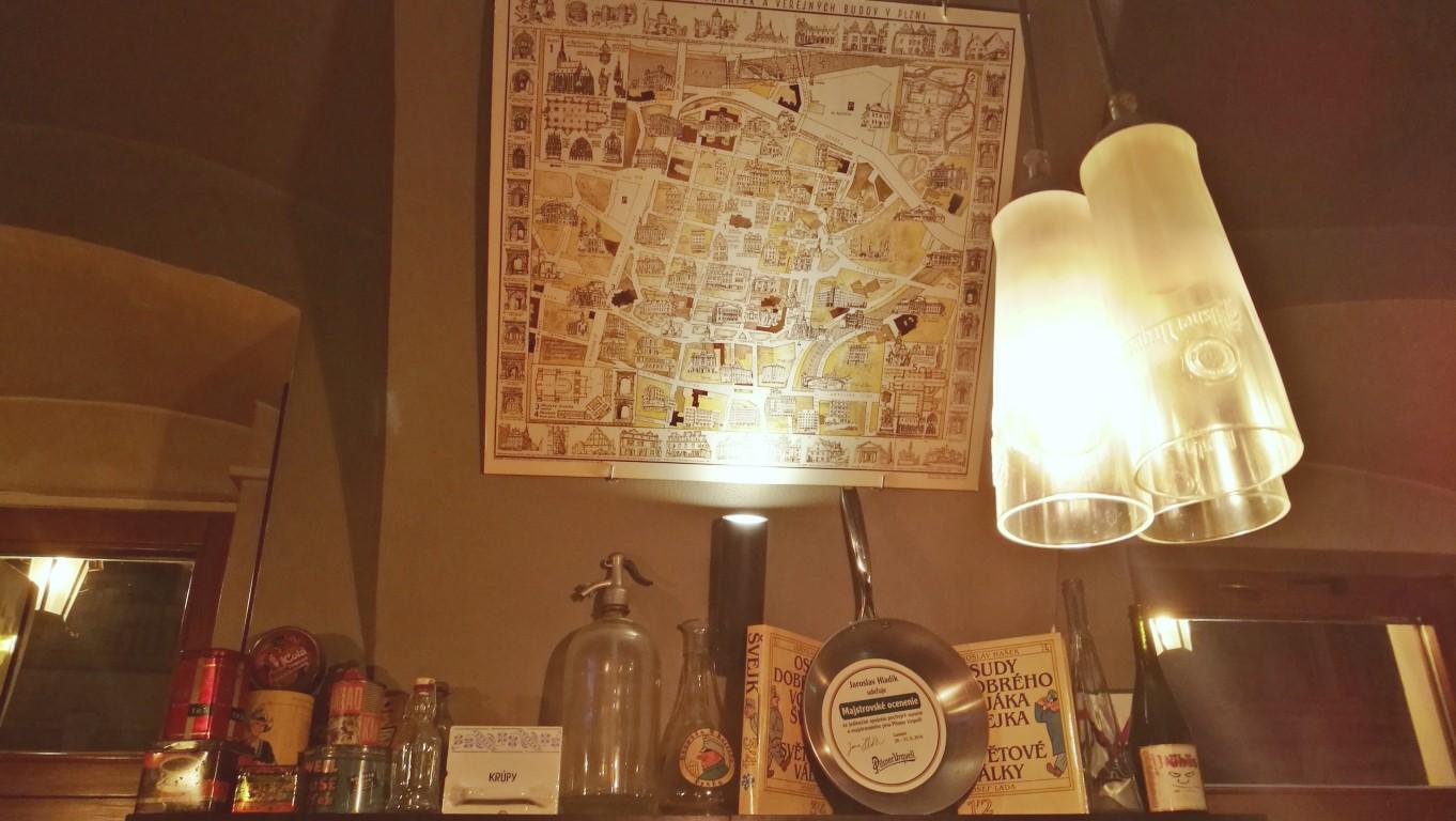 Camelot Pilsner Pub és Középkori Étterem, Kassa - Kocsmaturista - PU lámpák