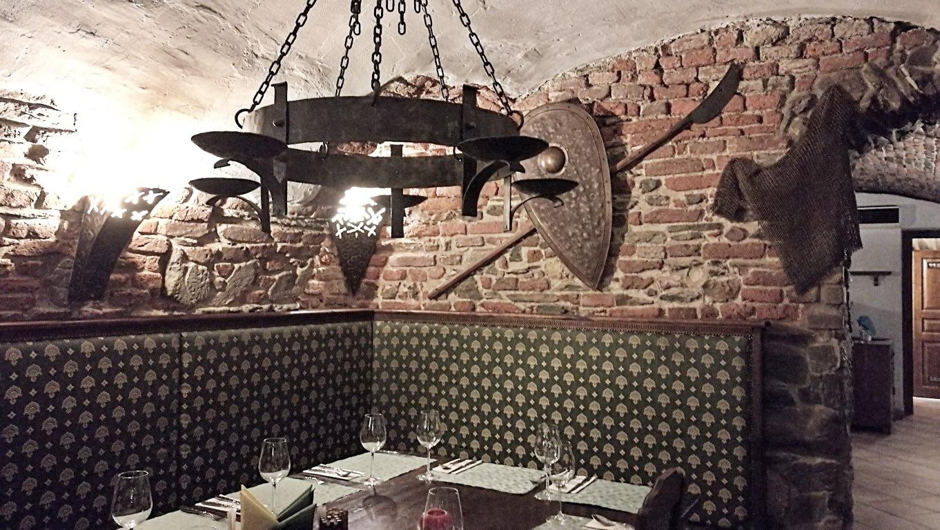 Camelot Pilsner Pub és Középkori Étterem, Kassa - Kocsmaturista - lovagétterem szint 2
