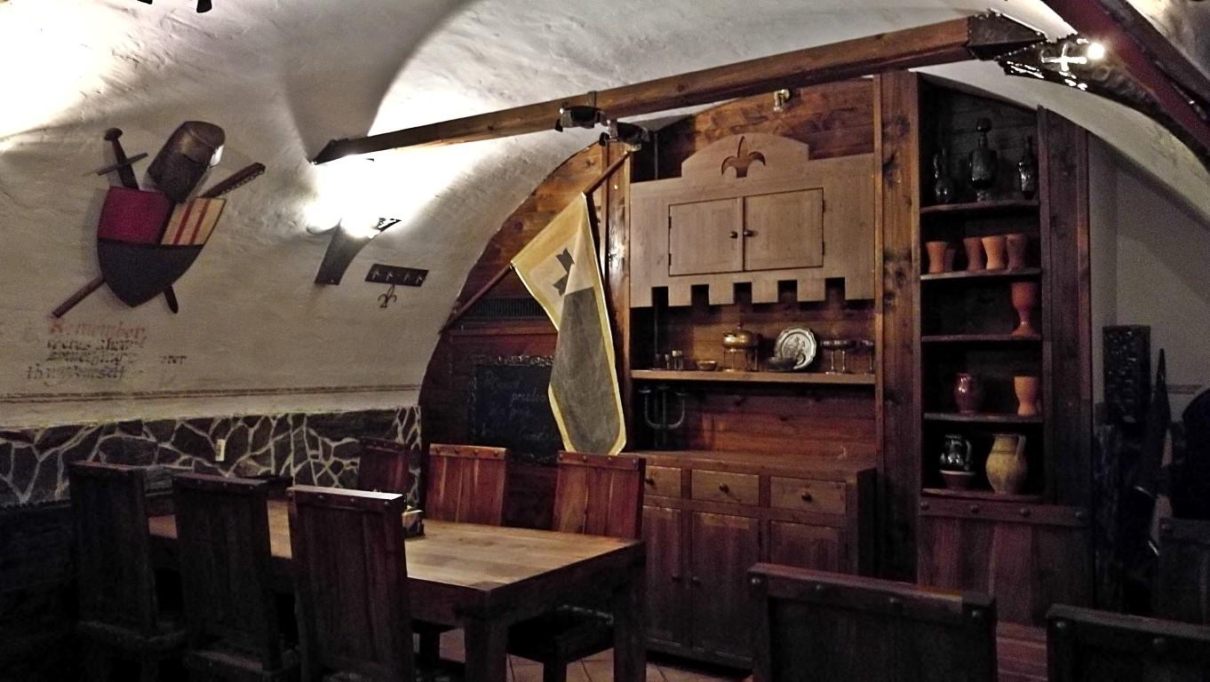Camelot Pilsner Pub és Középkori Étterem, Kassa - Kocsmaturista - lovagétterem szint 3