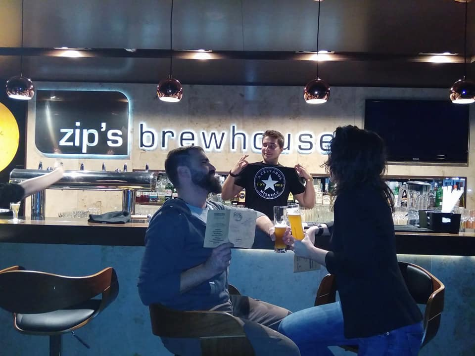 "Zip's és Jameson Kocsmatúra ""Bakancsban és Tűsarkúban - Kocsmaturista - Zip's Box"