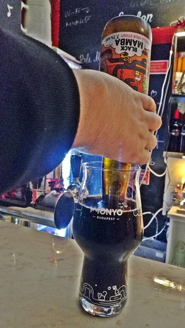 Virus Club - Budapest, 7. kerület - Kocsmaturista - MONYO Brewing Co. / Black Mamba