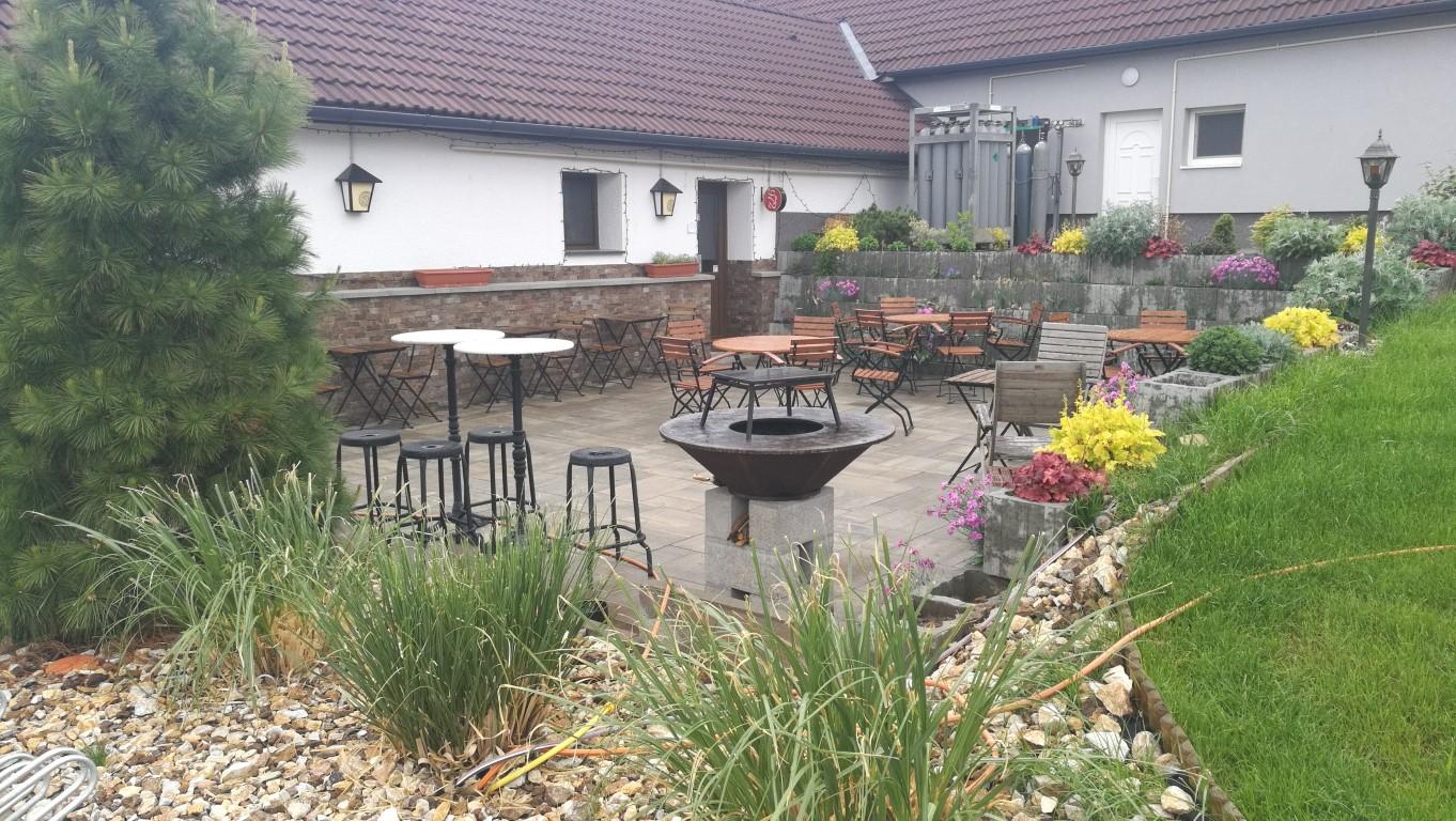 972 Brewpub - Székesfehérvár - A kert - Kocsmaturista