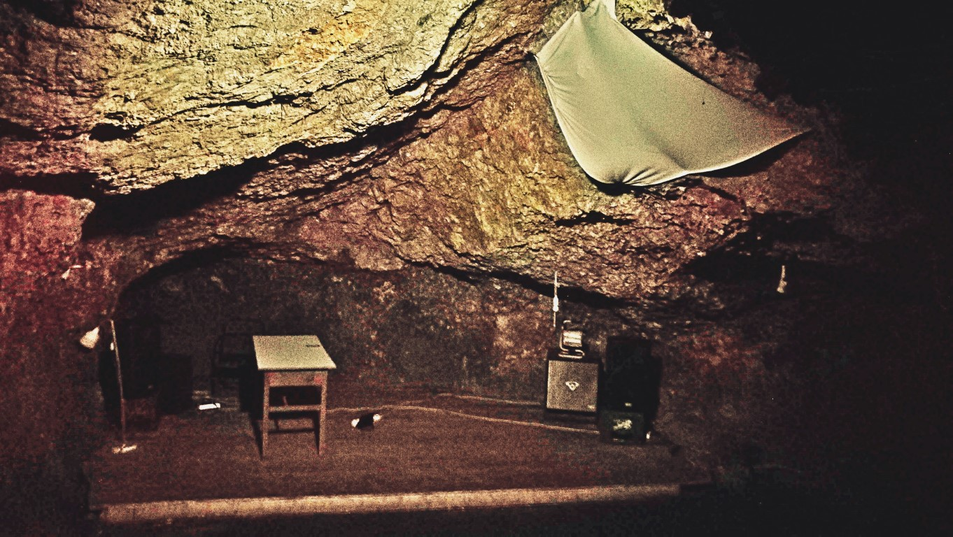 Esztergom - Kaleidoszkóp ház - Barlang 2 - Kocsmaturista