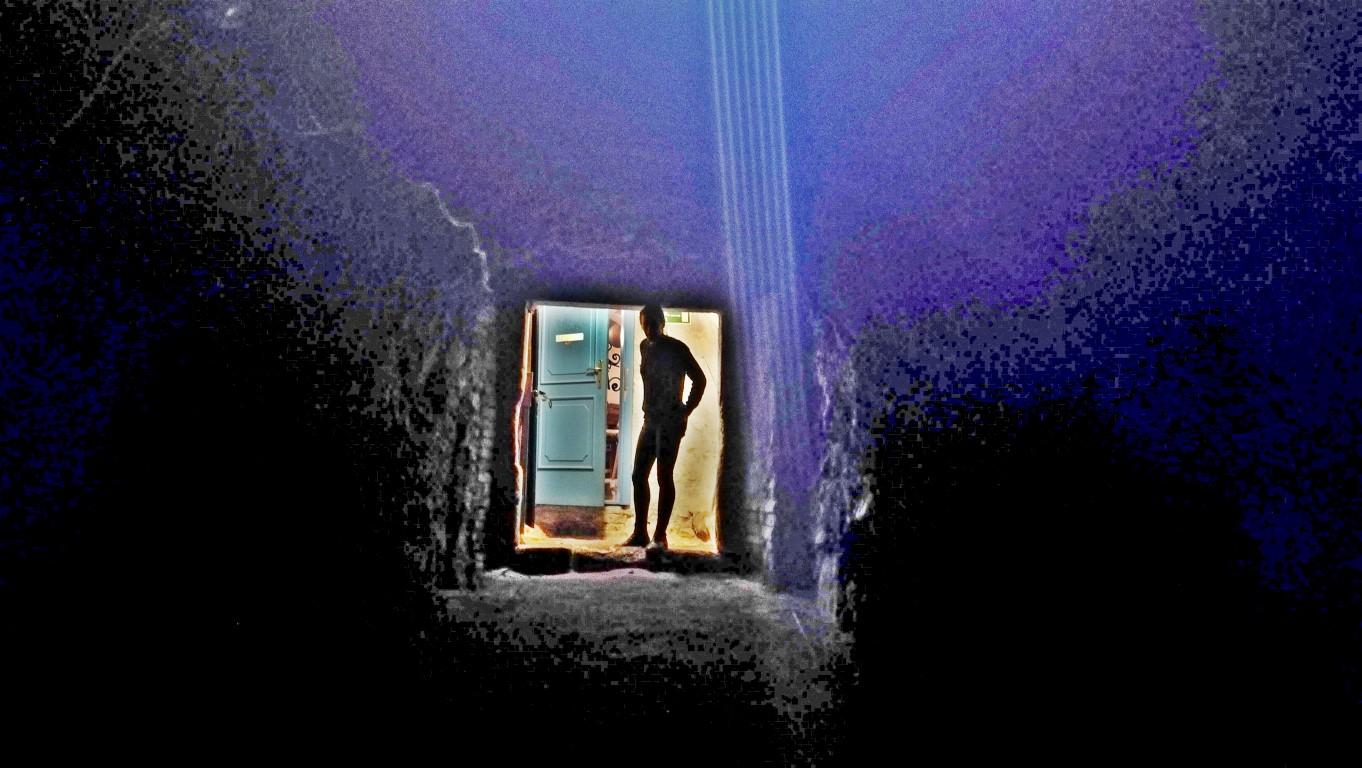 Esztergom - Kaleidoszkóp ház - Barlang 1 - Kocsmaturista.