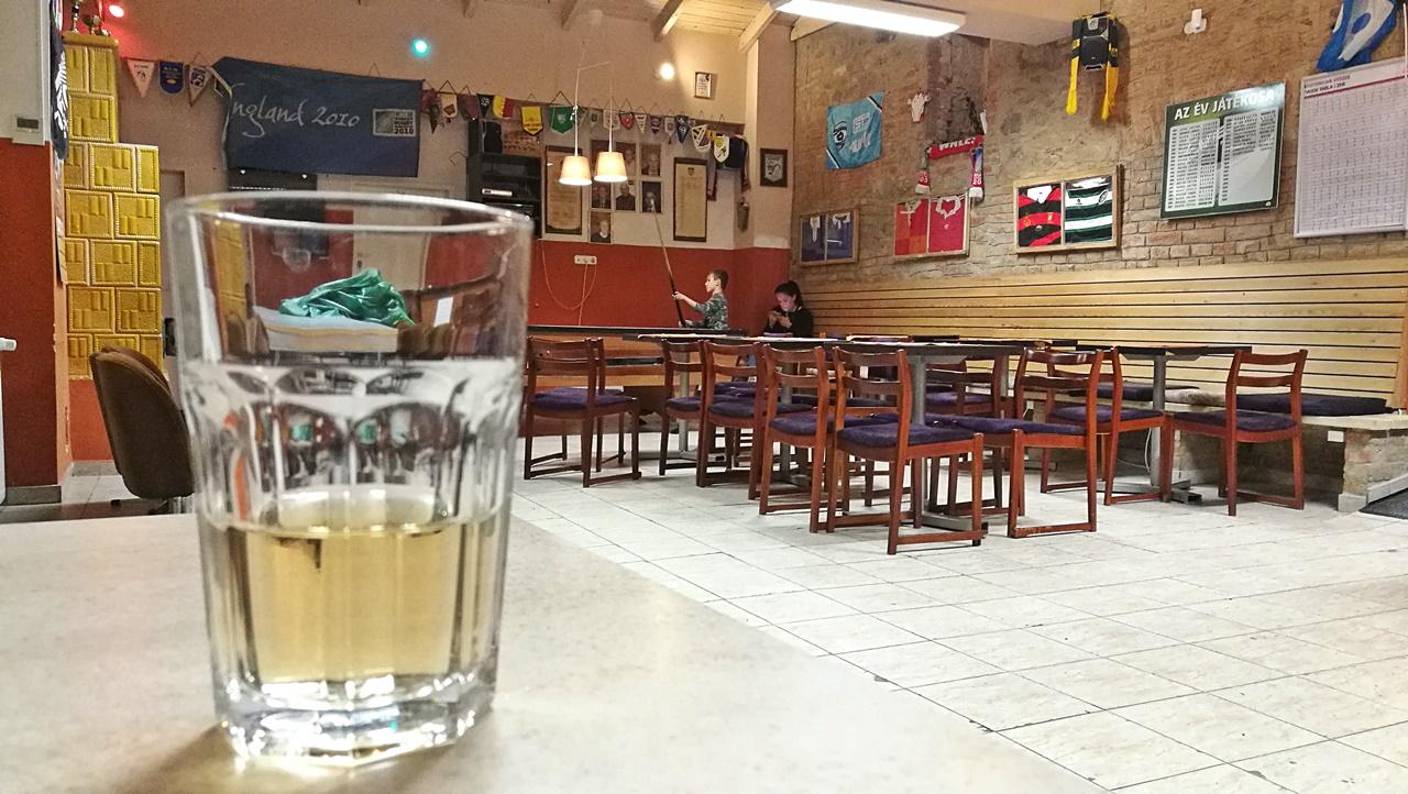 Esztergom - Rugby Sporthotel és Hostel - Klubhelyiség - Kocsmaturista
