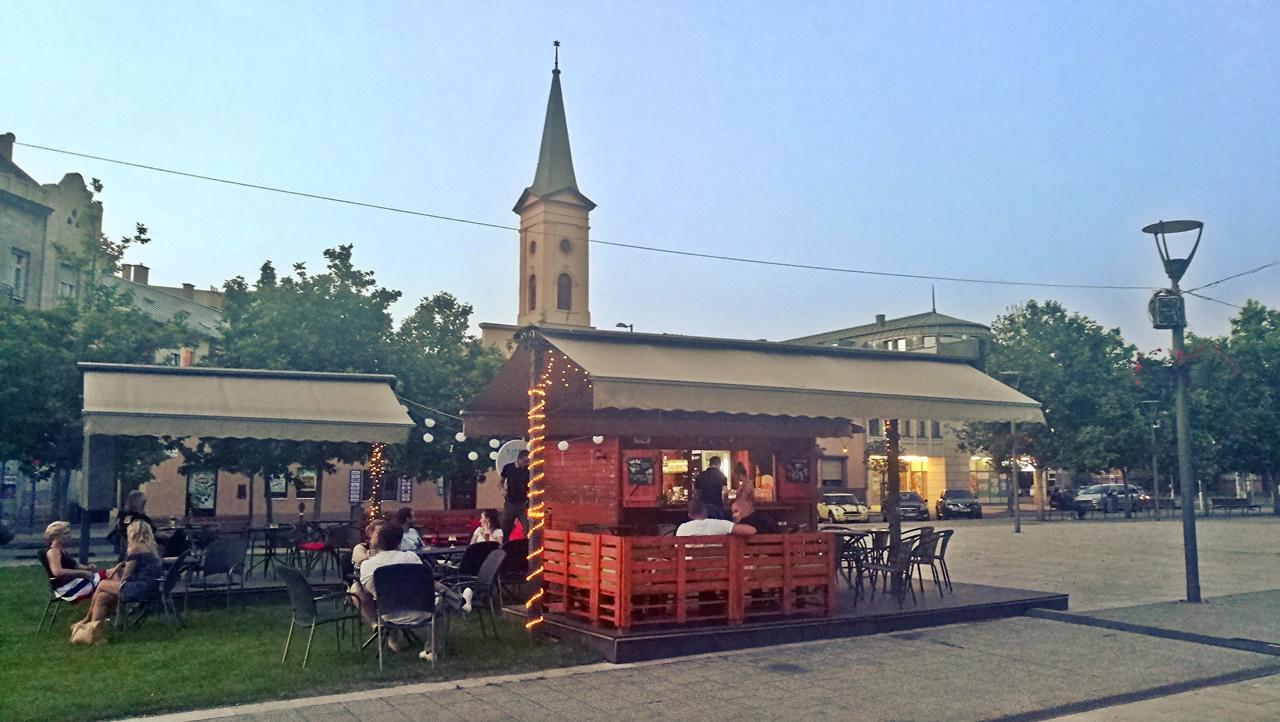Van Nálatok terasz - Molo Terasz, Budapest, 4. kerület - ocsmaturista -