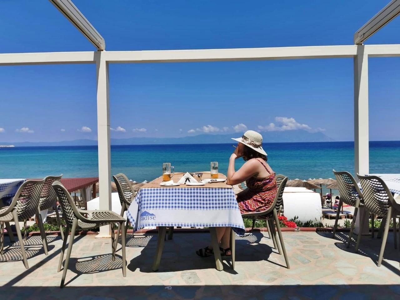 Kocsmaturista - Kocsmázva utazni, utazva kocsmázni - Ágotai Krisztina - Sarti, Görögország