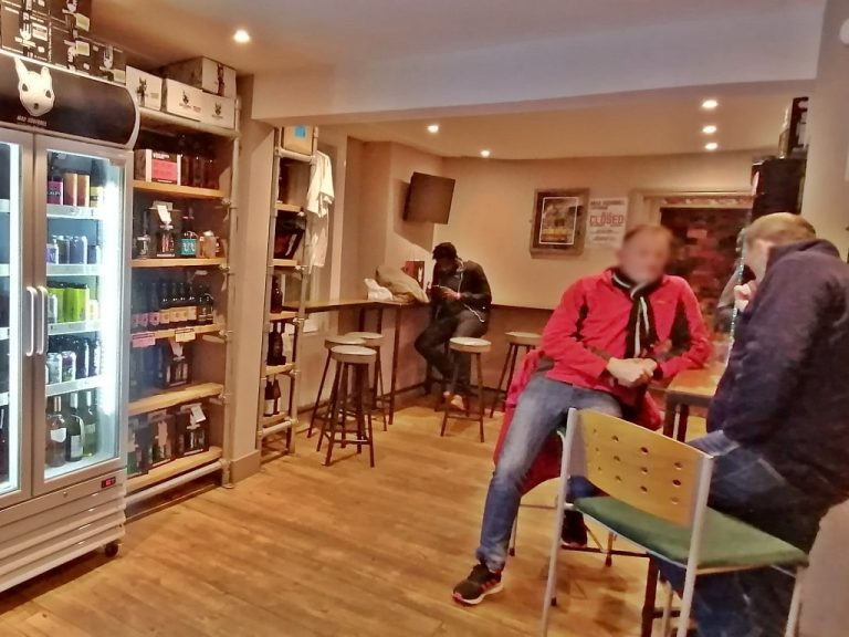 Mad Squirrel Taproom & Bottleshop, Chesma, Anglia - Kocsmaturista 01