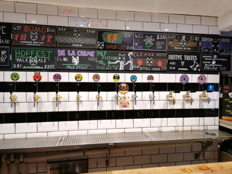 Mad Squirrel Taproom & Bottleshop, Chesma, Anglia - Kocsmaturista 03